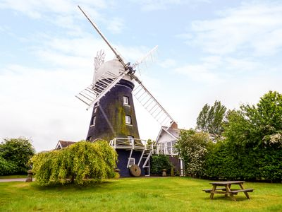 Photo for THE WINDMILL, pet friendly in Morcott, Ref 960945