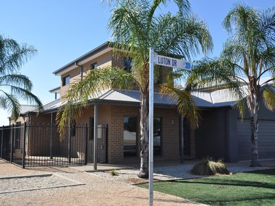 Photo for D'Arcy's Waterview 4 bedroom Town House Yarrawonga