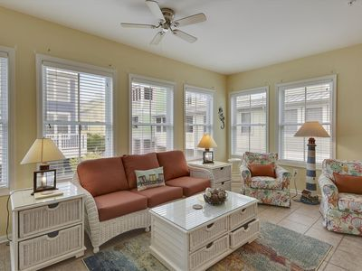 Photo for Gorgeous Bayside Resort Townhome -  Easy Walk to Pools & Beaches!