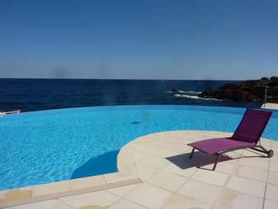 Photo for Le Trayas apartment in residence feet in water, sea view,
