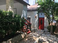 Nice neighborhood, clean, traditional condo. Good experience snd communication with the owner.
