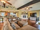 4BR House Vacation Rental in Canyon Lake, Texas
