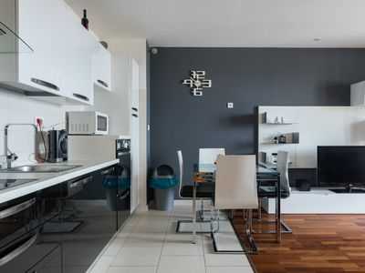 Photo for Apartment Pepita (4 + 2) - Modern, dog-friendly and with sea view!
