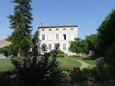 Photo for Beautiful family home, with private pool on the banks of the Rhone