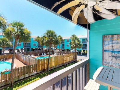 Photo for Condo with parking and location near the beach, shared pools, amazing views