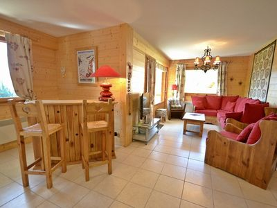 Photo for Stylish, 4 bed apt for 8 close to the slopes in Le Chinaillon