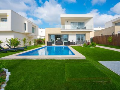 Photo for Large and cheerful villa  with private pool in Orihuela Costa, on the Costa Blanca, Spain for 6 persons