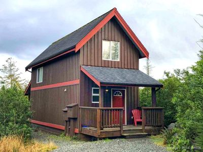 Photo for 1BR House Vacation Rental in Ucluelet, BC