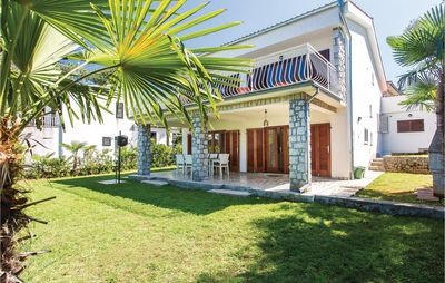 Photo for 4BR House Vacation Rental in Malinska