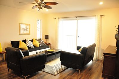 Living room with view on the Outaouais river.