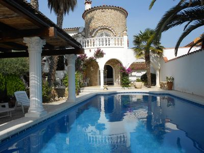 Photo for Ebre - Villa on the canal with private pool for 6 people in Empuriabrava