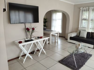 Photo for Holiday home near the beach in Cape Town - Modern property very central