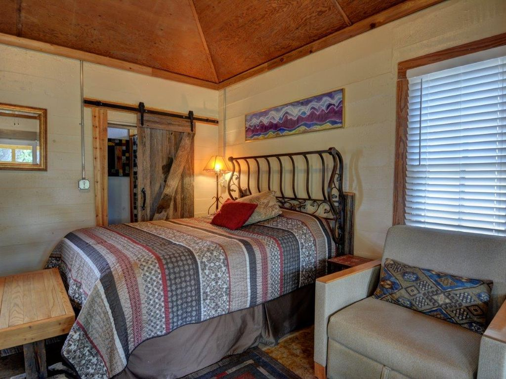 Casita blu tres with guadalupe river access hunt texas for Hunt texas cabins