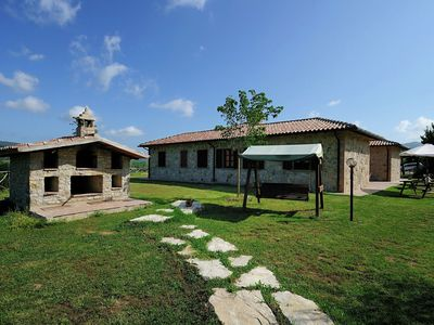 Photo for Lovely Farmhouse in Umbria with Swimming Pool