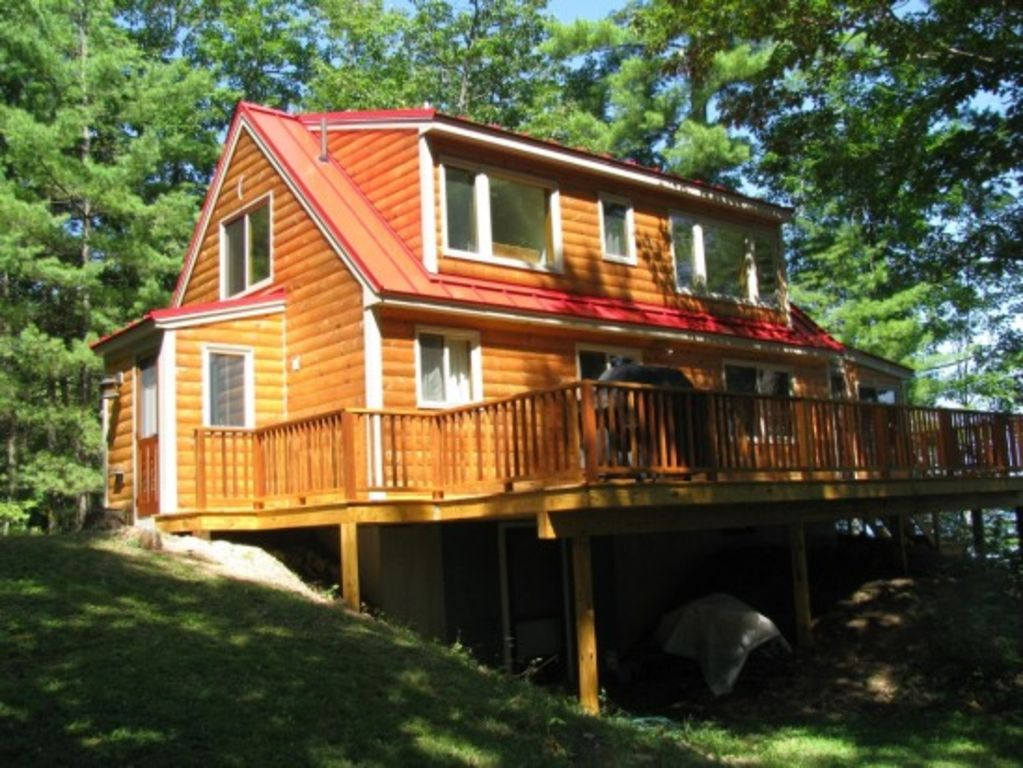 Bridgton maine very private long lake wat vrbo for Cabin rentals in maine with hot tub