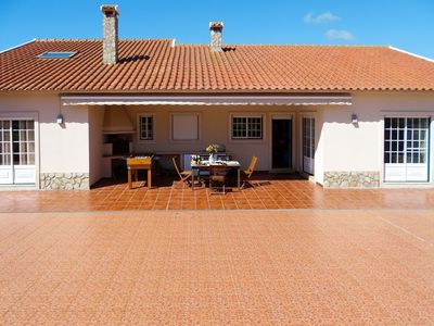 Photo for Beautiful apartment for 8 people with WIFI, private pool, TV, pets allowed and parking