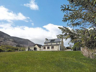 Photo for 4 bedroom property in Glenbeigh. Pet friendly.