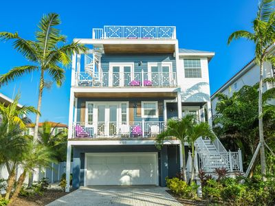 Gorgeous 6 Bed Home w/ Pool, Spa, Rooftop Gulf View, Block to Beach