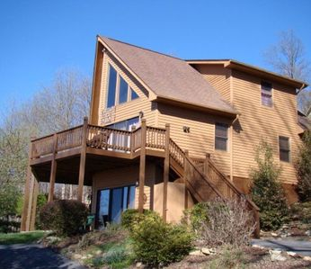 Photo for Immaculate Cedar Wood-Sided Cabin in Cascade Mountain Resort w/ dramatic views