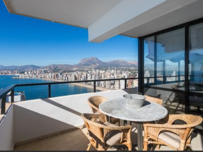 Photo for Brand new 25 floor penthouse. Unbeatable views