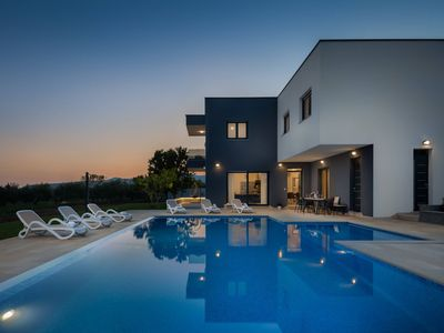 Photo for Luxury Villa Mondo with Heated Pool