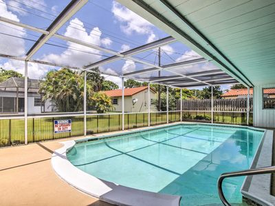 Photo for Charming Coconut Creek House w/Private Pool, Lanai