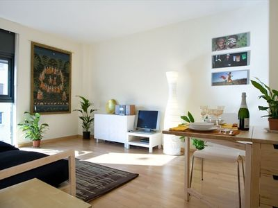 Photo for Sunny Bright Cozy Apartment  Centric-Sagrada Familia-3
