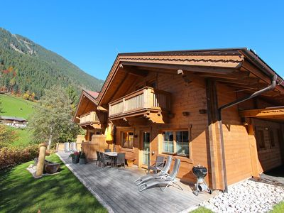 Photo for This 4-bedroom villa for up to 8 guests is located in Mayrhofen and has a private swimming pool and