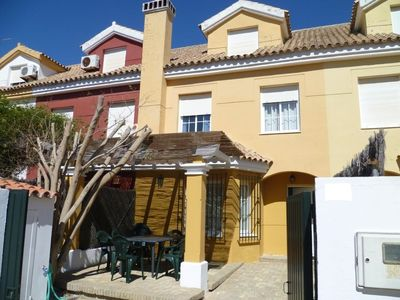 Photo for Townhouse with 5 bedrooms 250 m from the beach