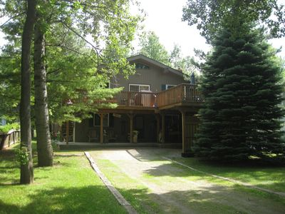Front view of chalet from end of driveway