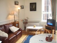 A lovely apartment within walking distance of everything!