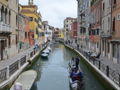 Photo for Venice Central Cozy Appartment, Free WiFi, smart TV, Air Condition