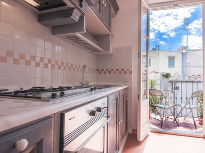 Photo for Charming 3 Bedroom Apartment in Duomo Area.