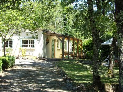 Photo for Pretty house with pool valley of the Dordogne
