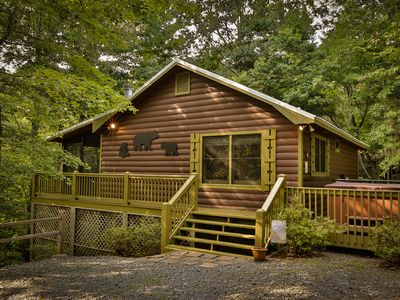 CHERRY BEARY DEN your Charming Private Cabin in the Woods