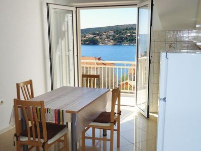 Photo for One bedroom apartment with balcony and sea view Sumartin (Brač)