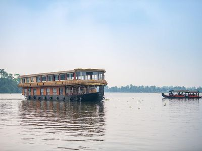 Photo for Double-Decker floating Deluxe Houseboat