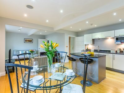 Photo for 2BR Apartment Vacation Rental in Eton, England