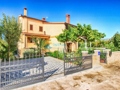 Photo for Apartment 1482/13875 (Istria - Medulin), Budget accommodation, 600m from the beach