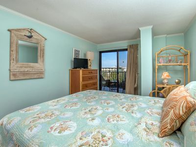 Photo for Upgraded 2 bedroom, 2 bath condo with nice decorator touches!
