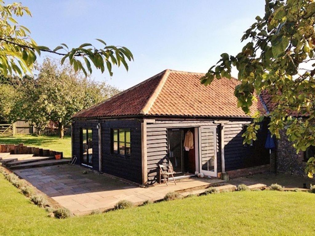 Cosy Barn In Orchard Setting Nr Holt Sea One Mile