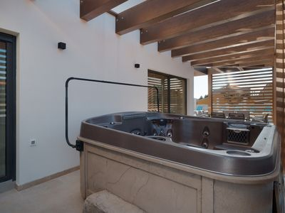 Photo for Holiday house with outdoor pool and whirlpool