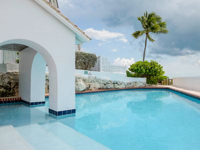 Private Bahamas Oceanfront Townhouse with access to exclusive pools and beach