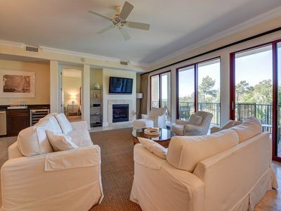 Photo for Gorgeous Condo in Santa Rosa Beach, On-site pool, Free DVD rentals, Minutes from the beach