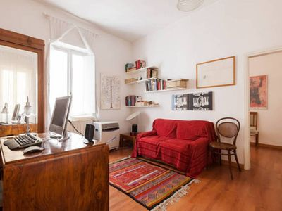 Photo for Delightful apartment a stone's throw from Termini Station and the Colosseum