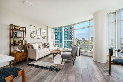 $50000 renovation completed, Enjoy luxury furnishings in the best location dtwn.