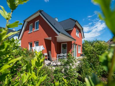 Photo for Family holiday home, free WiFi, sauna, fireplace, 8 people