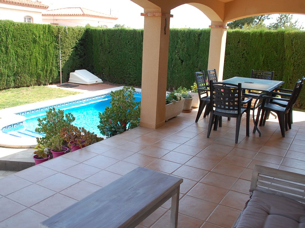 Beautiful Detached Villa With Private Pool Miami 6887132 # Muebles Miami Platja