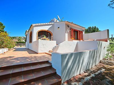 Photo for One bedroom Villa, sleeps 4 with Air Con, FREE WiFi and Walk to Shops