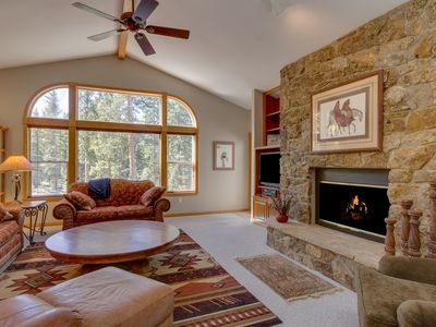Photo for 3 Min Drive to Town, Private Hot Tub, 2-Sided Fireplace, Roomy, Pool Table - by iTrip
